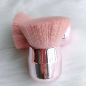 Beauty Wow Angled Kabuki Contour brush 1