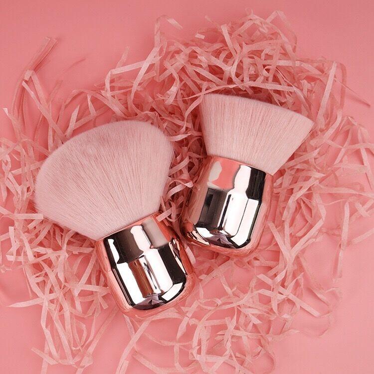 Beauty Wow Powder & Kabuki Brush Set 1