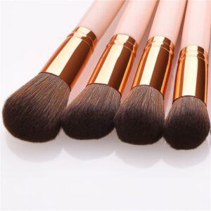Kiss Wow Club Flamingo Pink Makeup Brush Kit 4