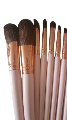 Kiss Wow Club Pink Flamingo Makeup Brushes Pink 1