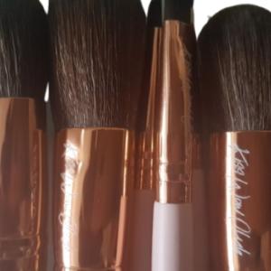 Kiss Wow Club Pink Flamingo Makeup Brushes Pink 2
