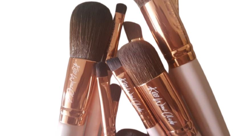 Kiss Wow Club Pink Flamingo Makeup Brushes Pink 3