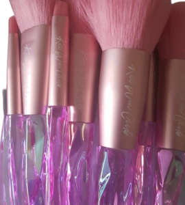 Kiss Wow Club Pink Holographic Makeup Brush Set 2