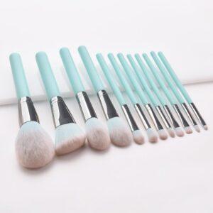 Kiss Wow Club Pro Powder Blue Make Up Brush Set 4