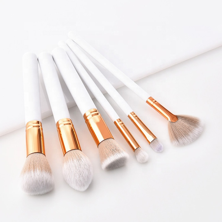 Kiss Wow Club Sable White Makeup Brush Set 2