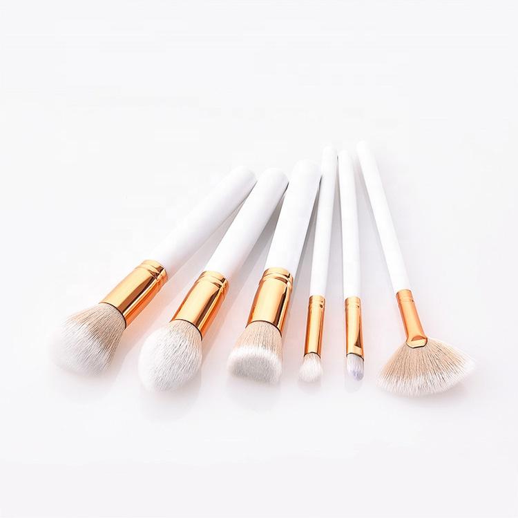 Kiss Wow Club Sable White Makeup Brush Set 3