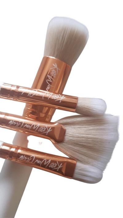 Kiss Wow Club Sable White Makeup Brush Set 7