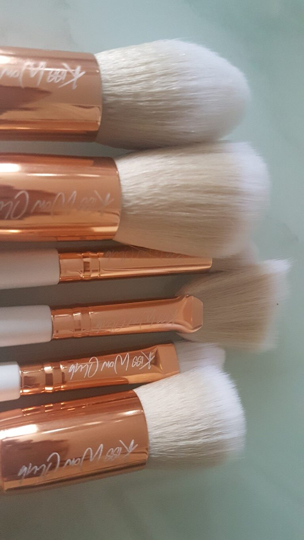 Kiss Wow Club Sable White Makeup Brush Set 9