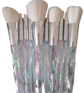 Kiss Wow Club White Holographic Crystal Makeup Brush Set 4